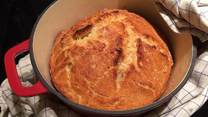 Man behøver ikke være bager for at bage verdens bedste brød - grydebrød (grundopskrift)