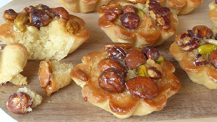 små mazarintærter med nødder - opskrift