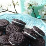 Chokoladekiks med vaniljecreme ala OREO