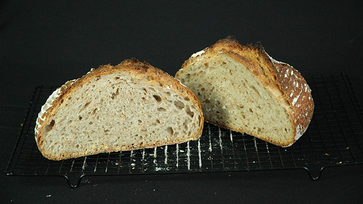 Landbrød bagt med surdej