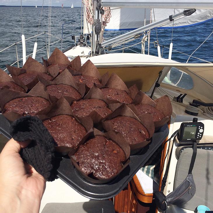 Chokolademuffins til skipper og den øvrige besætning