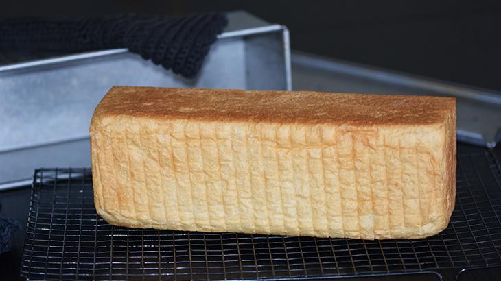 hjemmebagt toastbrød - opskrift - tantestrejf.dk