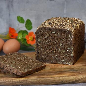 Rugbrød bagt med gær