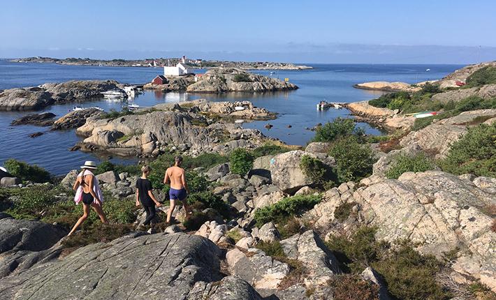 Gåtur på Kirkøy syd for byen Skjærhalden