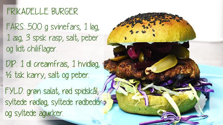 Frikadelleburger med grønne burgerboller. Burgerboller med spinat og squash