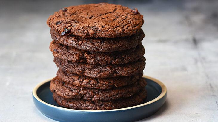 lækre chokoladecookies med tranebær - tantestrejf.dk