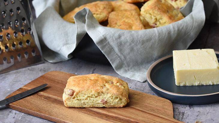 Bacon scones med cheddar