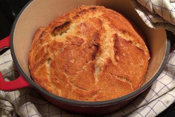 Du behøver ikke vare god til at bage for at få succes med dette brød - grydebrød (grundopskrift)