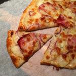 Kartoffelpizza m. røgeost