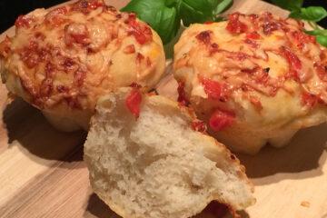 lækkert madbrød med ost, oregano og tomat - find opskriften her