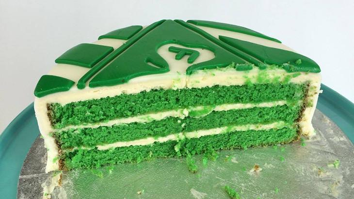 VFF kage til sidste skoledage på Hald ege skole