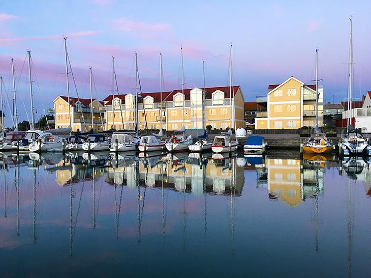 martha i Sæby havn en tidlig morgen
