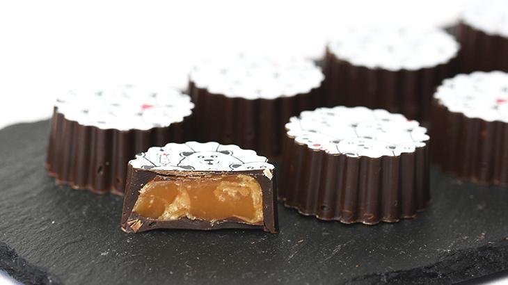 Fyldte chokolader med karamel og havsalt