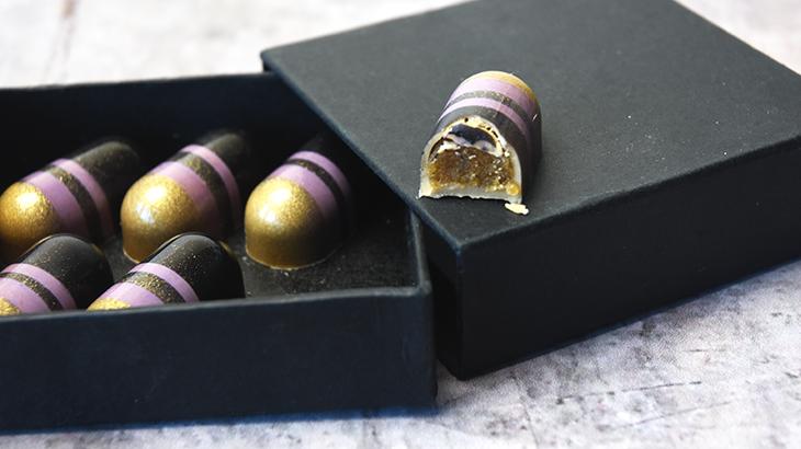 fyldte-gold-chokolader-med-cappuccion-marcipan