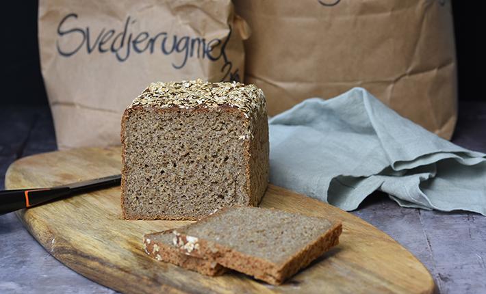 Fuldkornsrugbrød - rugbrød uden kerner, bagt med surdej
