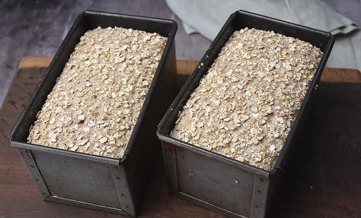 Færdighævet rugbrød uden kerner - klar til ovnen