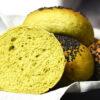 Grønne burgerboller med spinat og squash