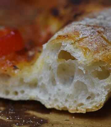 Opskrift på surdejspizza